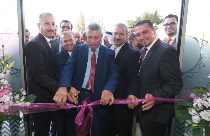 بنك فلسطين يحتفل بافتتاح مكتبه الـ 66 في مدينة الظاهرية جنوب الخليل ضمن سلسلة فروعه ومكاتبه المنتشرة في محافظات الوطن ويستعد لافتتاح عدد من الفروع الأخرى في نابلس وضواحي القدس